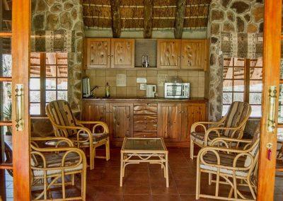 Alpetra-Nature-Reserve-Chalet-Kitchen-01